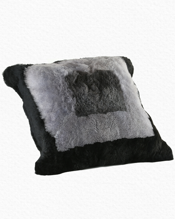 Alpaca Pillow Black